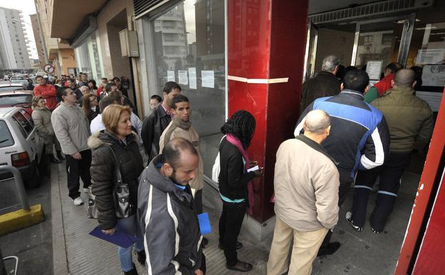 El paro sube en 8.850 personas en agosto en la Comunitat hasta los 398.087 desempleados