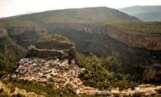 La atrevida ruta por los puentes colgantes de Chulilla