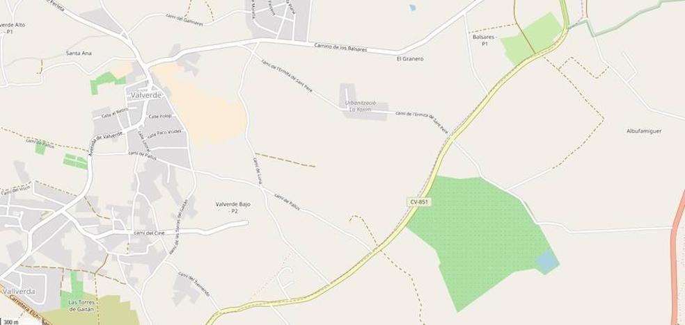 Fallece un motorista al colisionar con un camión en Elche