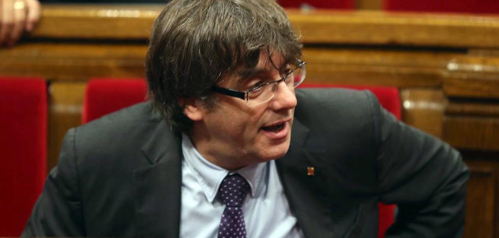 El TC suspende el referéndum y apercibe a más de un millar de cargos