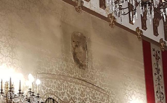 El Ayuntamiento de Alicante retira el cuadro del Rey del salón de plenos