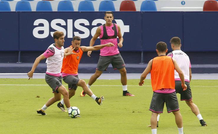 Fotos del entrenamiento del Levante UD