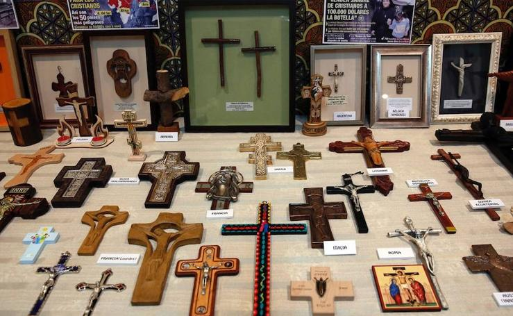 Fotos de la exposición de cruces en Valencia