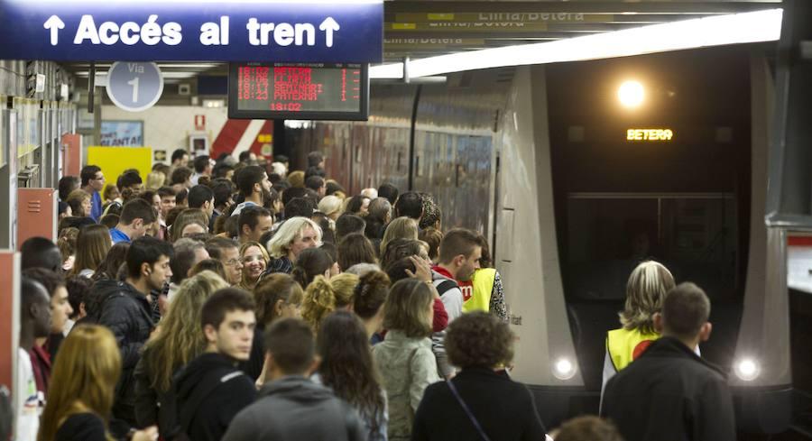 Primera jornada de huelga de 24 horas en el metro y el tranvía de Valencia