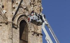 Cinco camiones de rescate en altura averiados dejan a los bomberos de Valencia bajo mínimos