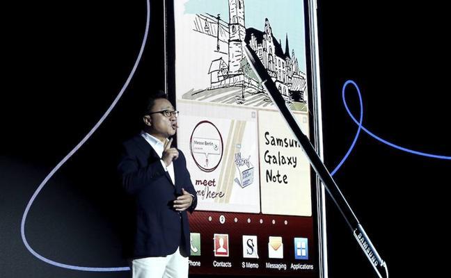 Samsung prepara un teléfono plegable para 2018