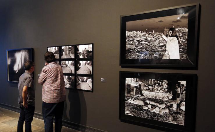 Fotos de la exposición del IVAM contra los muros al arte árabe
