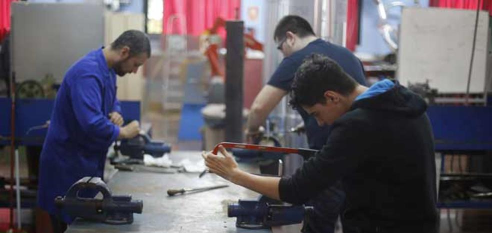 El Consell doblará el presupuesto de Avalem Joves para crear 8.000 empleos
