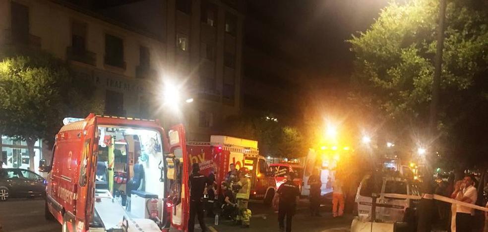 Seis policías intoxicados en el incendio de una casa en Valencia