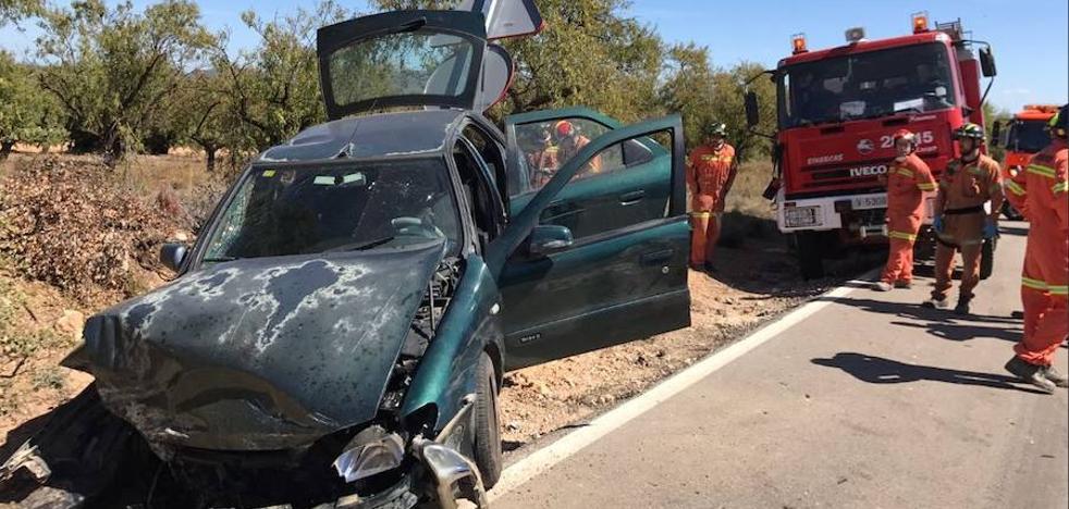 Dos ancianos heridos en un accidente de tráfico en Camporrobles
