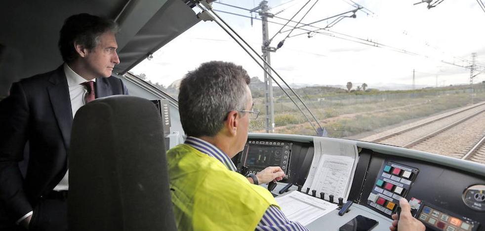 Los empresarios piden al Gobierno y los partidos políticos un «pacto global» por las infraestructuras de la Comunitat Valenciana
