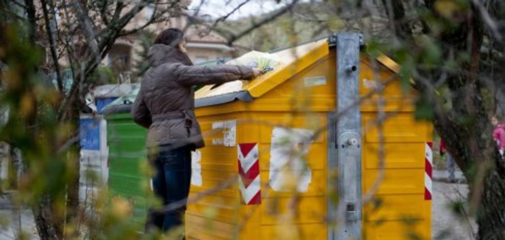 El Consell se aferra al plan de envases pese a la división entre los socios de gobierno