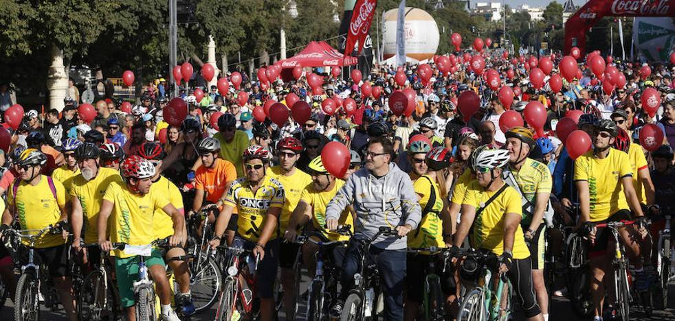 Miles de participantes en el Día de la Bicicleta en Valencia