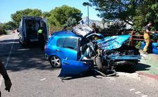 Una conductora fallece al estrellarse contra un árbol en la carretera de Ondara a Dénia