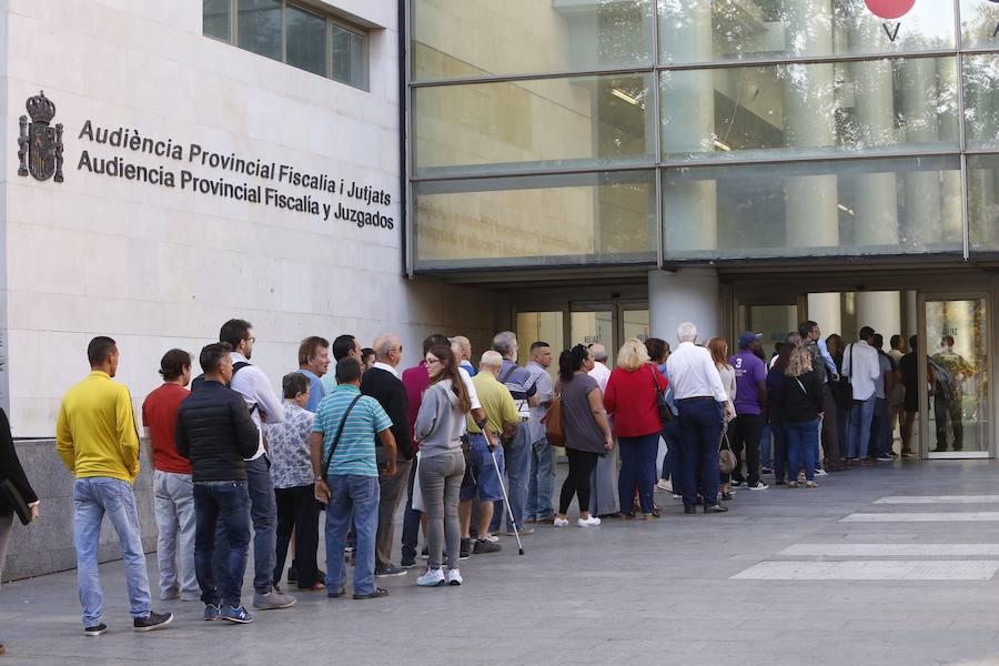La Ciudad de la Justicia de Valencia reabre entre colas y dudas