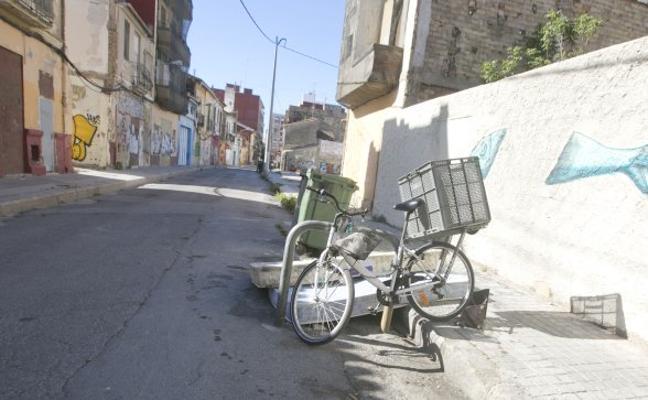 Calles nuevas en el Cabanyal pero sin noticias del retén policial