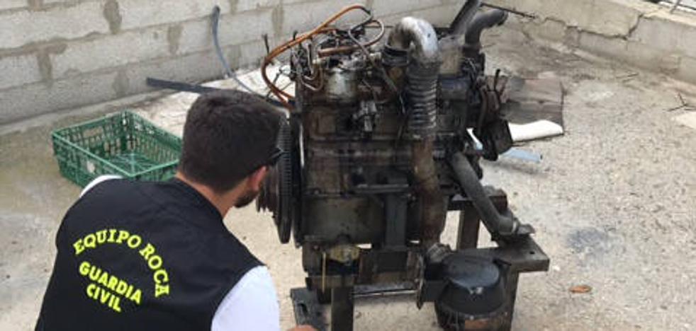 Detenidos mientras transportaban en su vehículo un generador de luz robado en Xàtiva