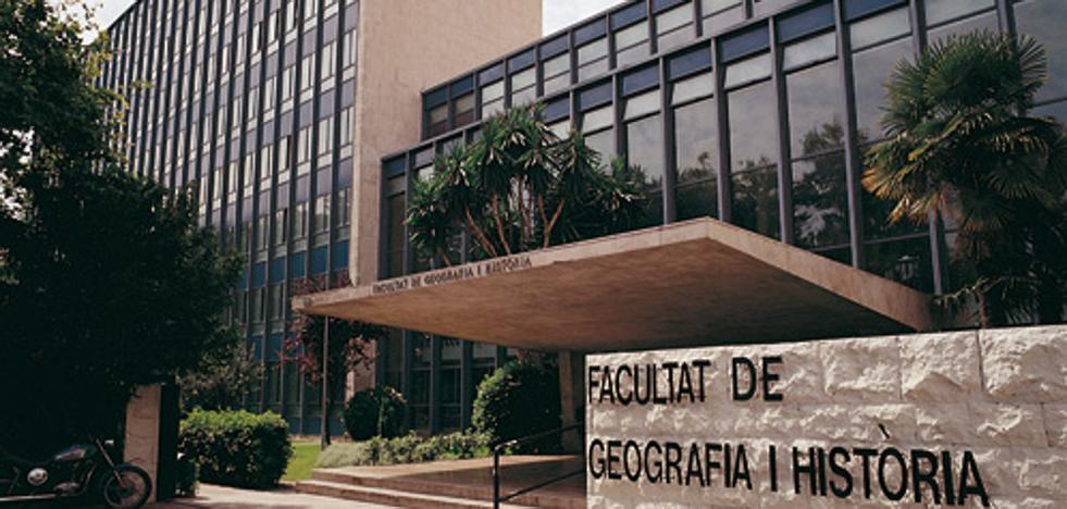 Un catedrático de la Universidad de Valencia lee su nueva tesis doctoral 30 años después de la primera