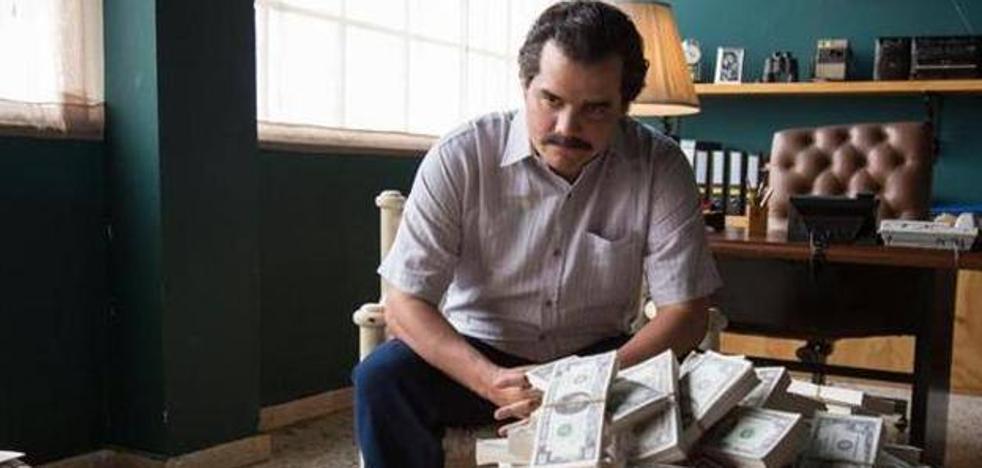 El hermano de Pablo Escobar advierte a Netflix de que debería contratar sicarios por seguridad