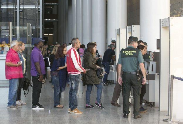 Sindicatos denuncian a la conselleria ante la Inspección de Trabajo por el incendio en la Ciudad de la Justicia de Valencia