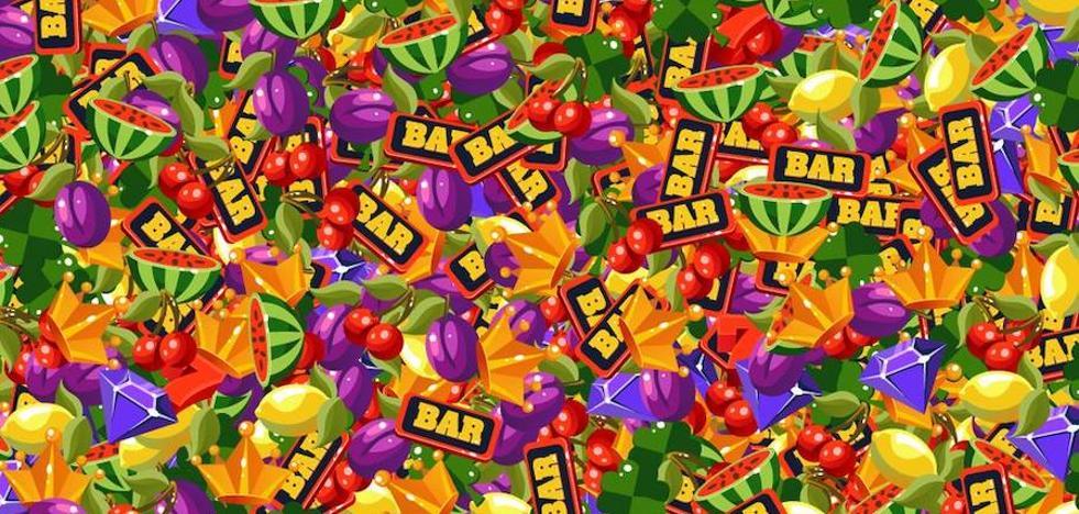 Encuentra los tres 7 escondidos entre las frutas de la tragaperras