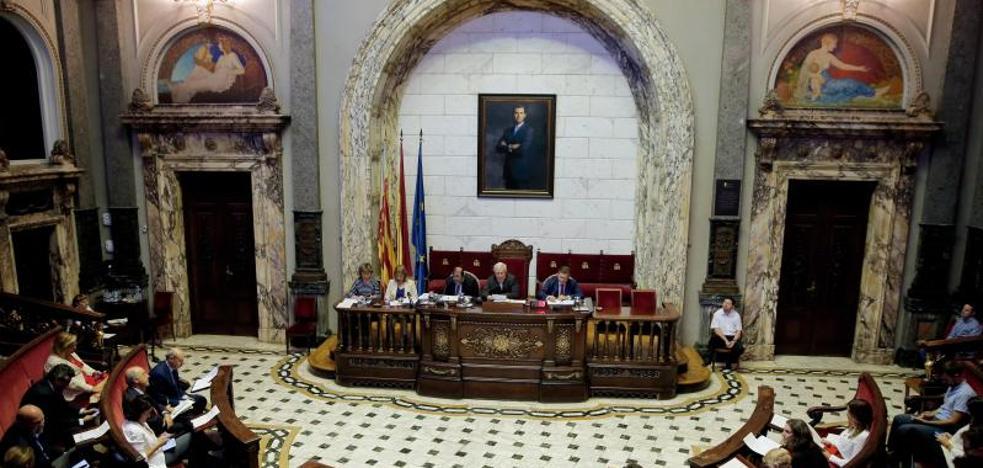 Joan Ribó abre el proceso para reformar la plaza del Ayuntamiento de Valencia