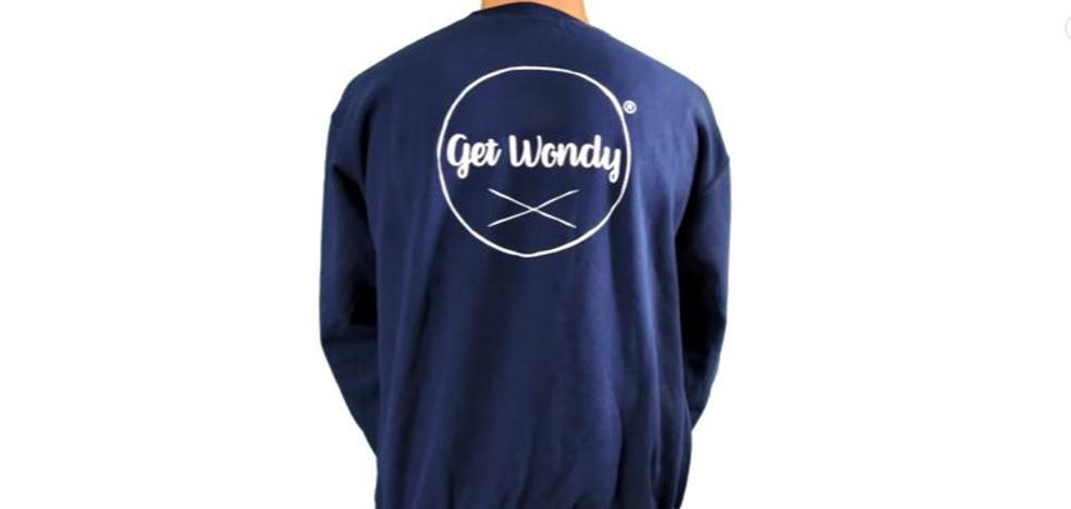 Roberto Chapa, el valenciano de 16 años que triunfa con Get Wondy, su colección de ropa en internet