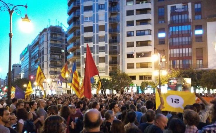 Fotos de la manifestación en Valencia a favor del referéndum de Cataluña
