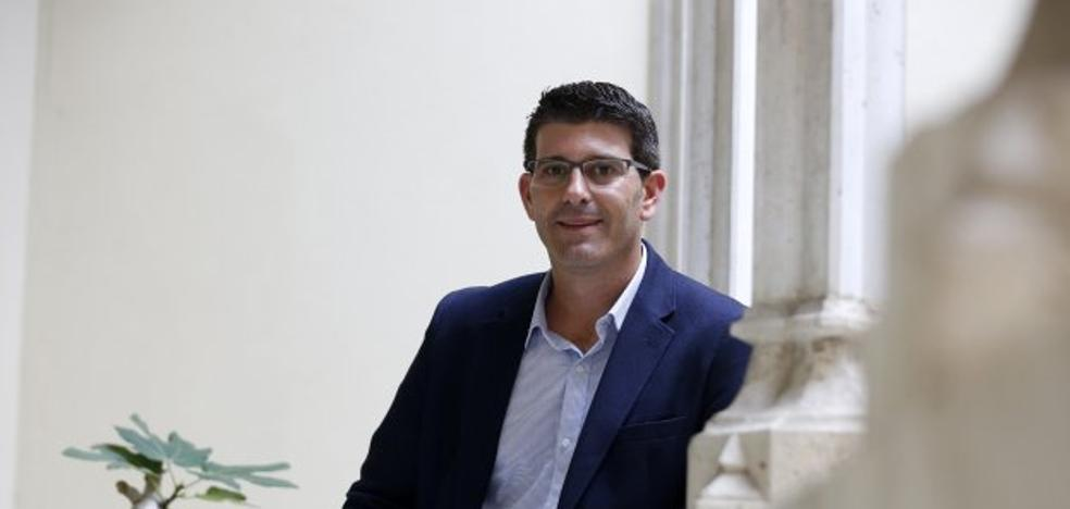 Jorge Rodríguez evita tomar medidas contra el asesor del tránsfuga de Ciudadanos