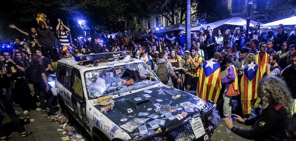 La Fiscalía denuncia por sedición los ataques a la Guardia Civil en Cataluña