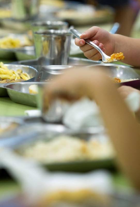 ¿Cuánto cuesta el menú escolar en España? En la Comunitat, 4,25 euros al día