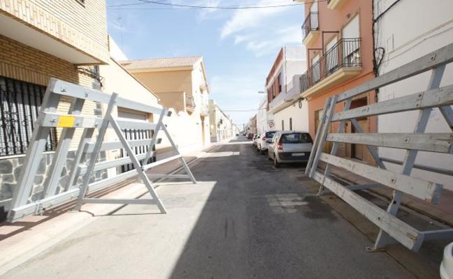 Un hombre muere corneado durante los bous al carrer de Puçol
