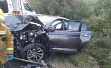 Dos personas heridas en un choque frontal en Pedreguer