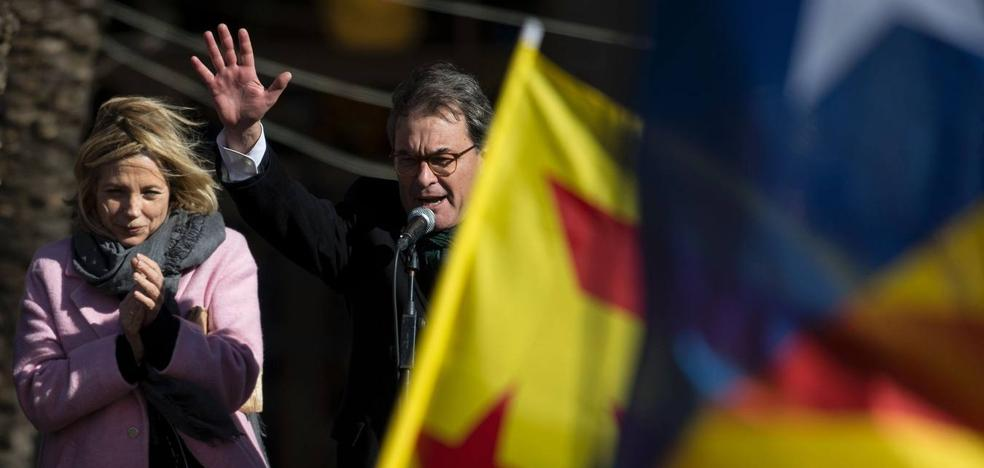 Mas, Ortega, Rigau y Homs: «Ningún país será digno si teme las urnas»