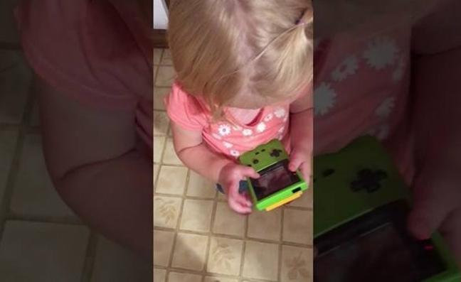 El vídeo que demuestra hasta qué punto los niños son nativos digitales