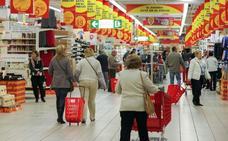 Alcampo y Mercadona son las cadenas nacionales más baratas para hacer la compra