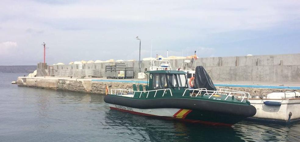 La Guardia Civil busca a los integrantes huidos de una patera en Tabarca