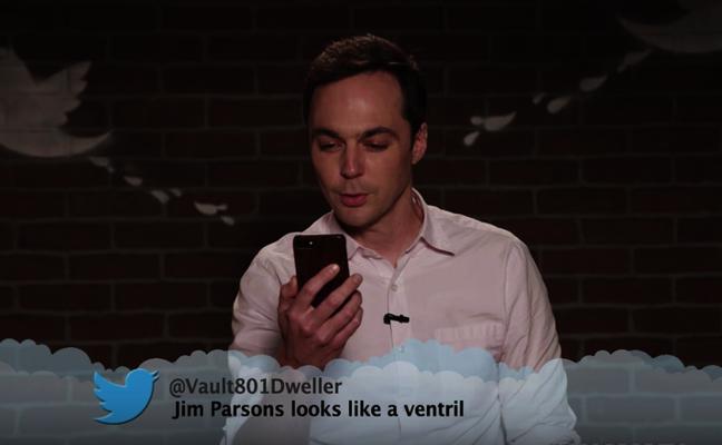 El vídeo de famosos leyendo tuits ofensivos sobre ellos que se ha vuelto viral