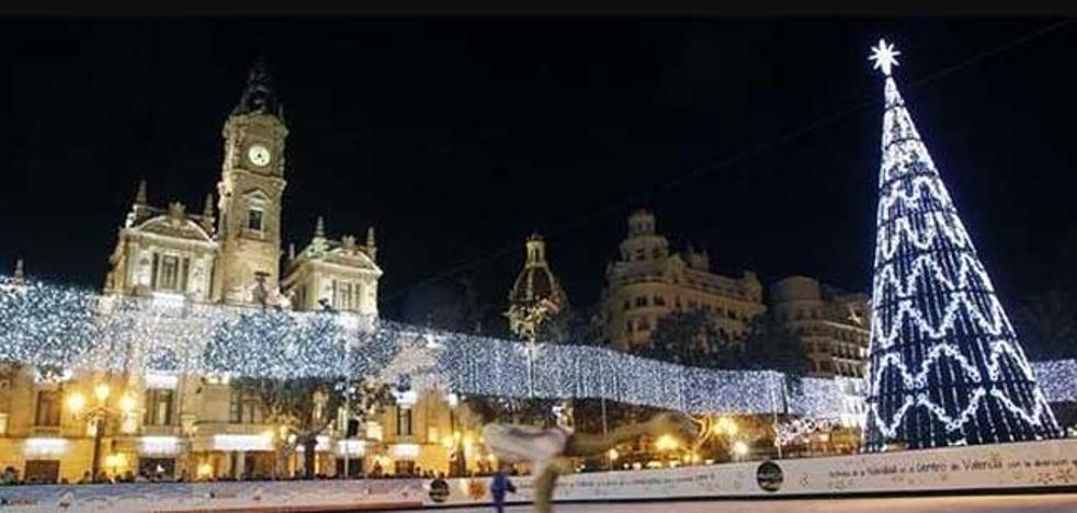 Árboles de Navidad en nueve barrios de Valencia