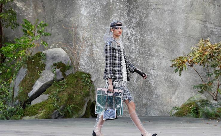 Fotos de las propuesta primavera/verano 2018 de Karl Lagerfeld para Chanel en París Paris Fashion Week