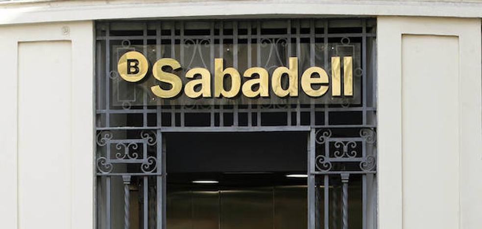 Los empresarios alicantinos destacan el impacto positivo del traslado del Sabadell