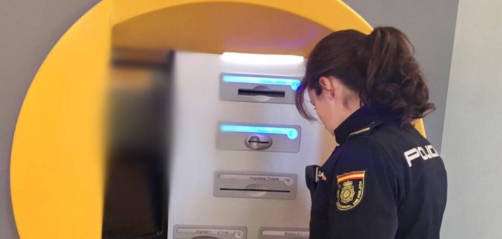 Dos hombres atracan un banco en Valencia