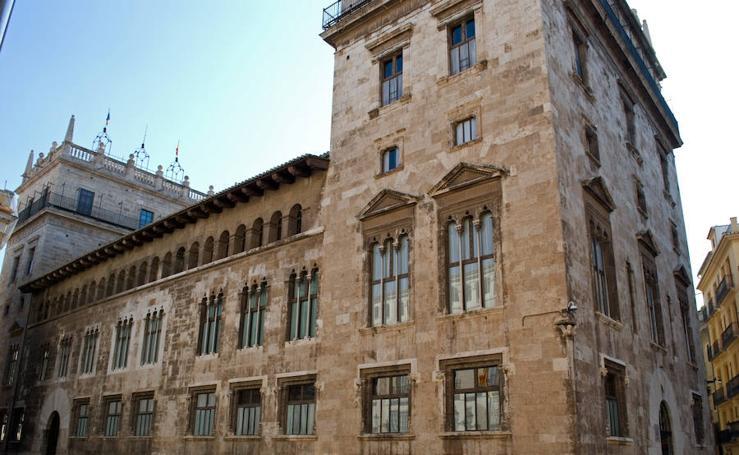 Fotos de los palacios de Valencia para visitar el 9 d'Octubre