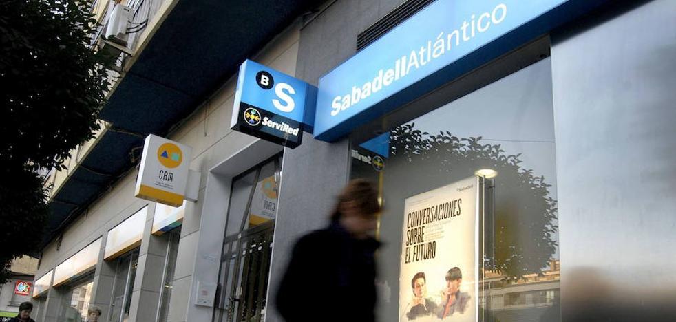 El Banco Sabadell decide esta tarde si traslada su sede a Alicante