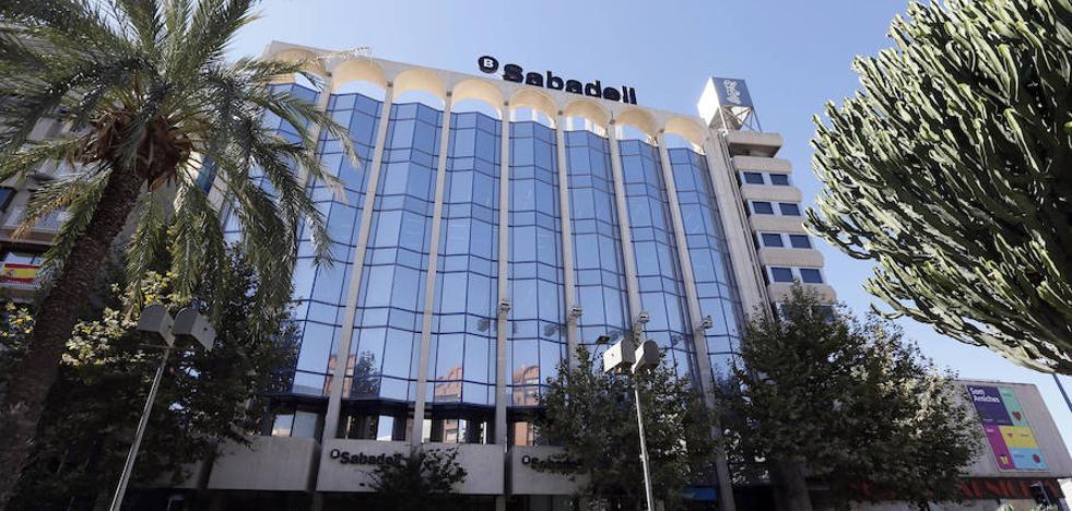 Podemos rechaza la llegada del Sabadell a Alicante por ser «presiones financieras»