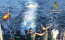 Rescatan un barco a la deriva en Peñíscola