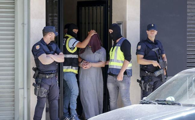 Un presunto yihadista que residía en Valencia se enfrenta a 10 años de cárcel por ser «activista informativo» del Daesh