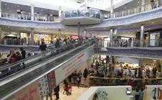 Domingo de compras en centros comerciales, lunes de fiesta