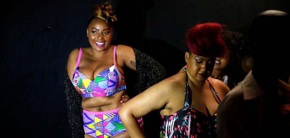 Kenia rompe costuras con su Fashion Weekend Plus-Size