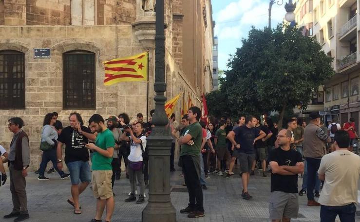 Fotos de la manifestación convocada por la comisión 9 d'Octubre
